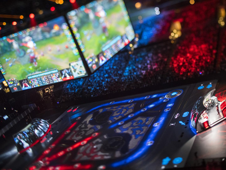 2016 League of Legends World Championship Final Thumbnail