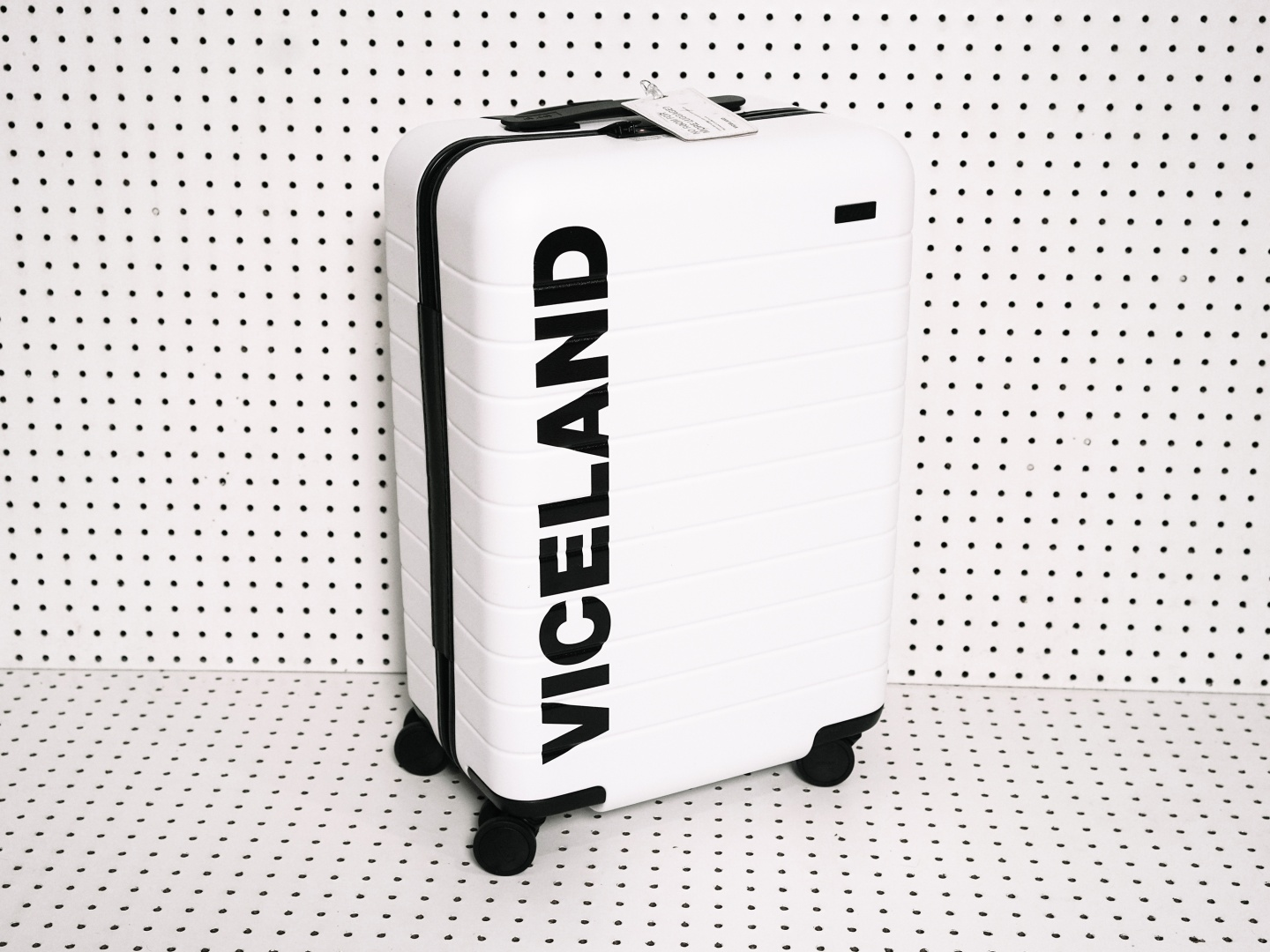 The VICELAND Sundance Suitcase Thumbnail