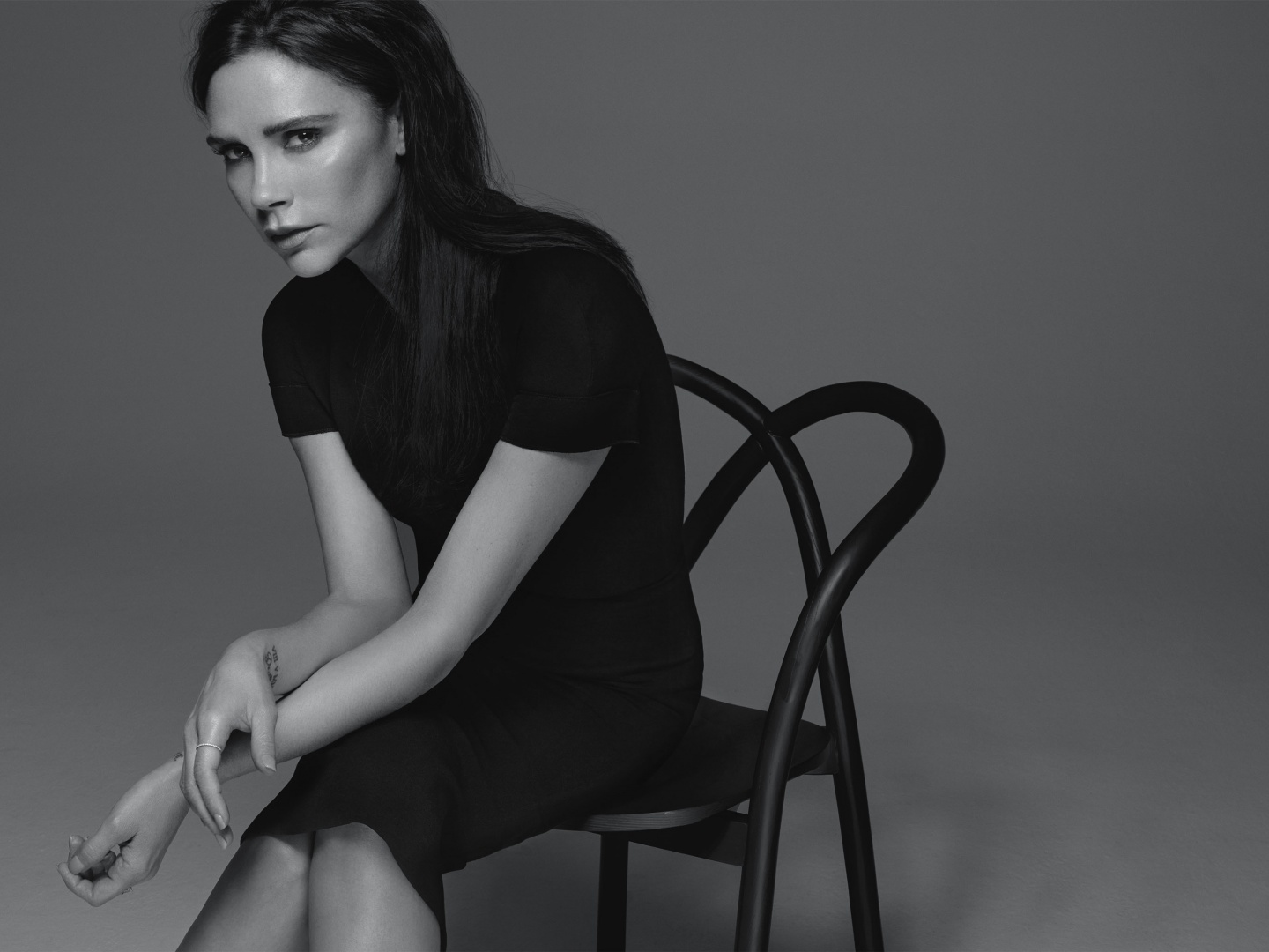 Victoria Beckham x Estee Lauder Makeup Collection Thumbnail