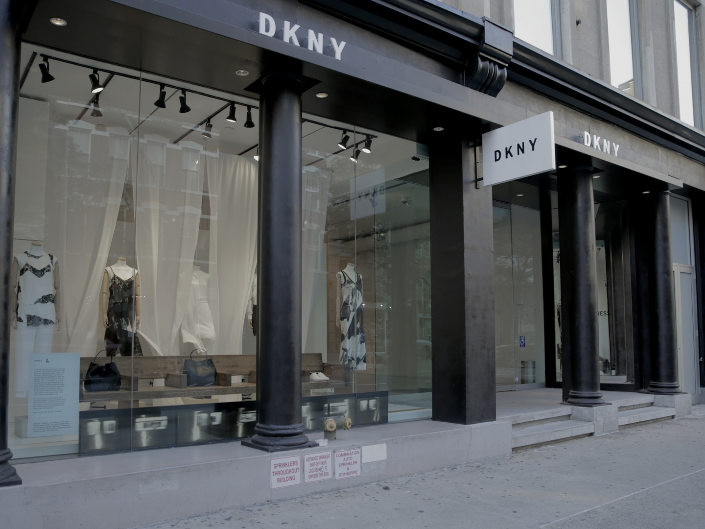 Wind | DKNY X NEW INC Thumbnail