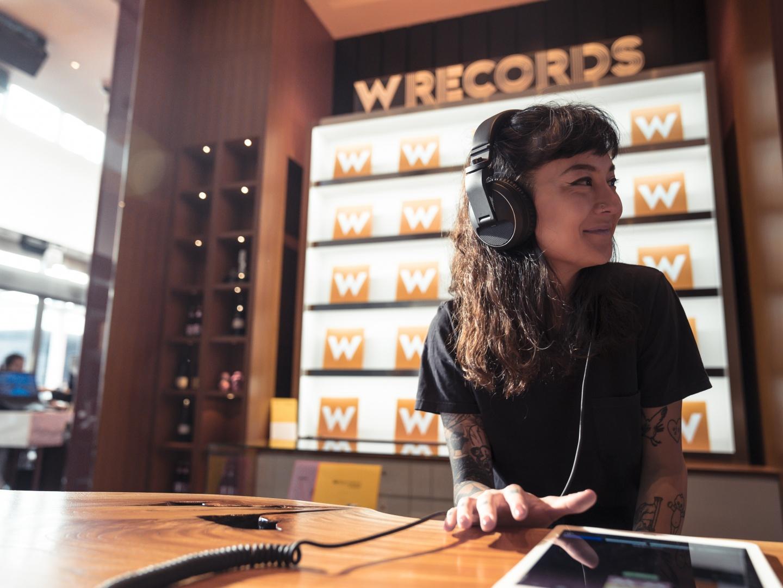W Records  Thumbnail