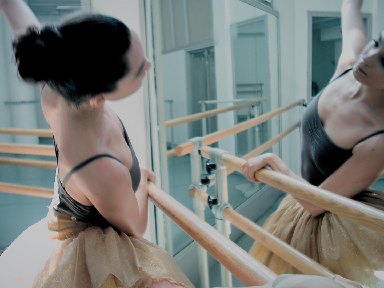 Estée Lauder Presents Modern Muse Moments: Amandine Albisson Thumbnail