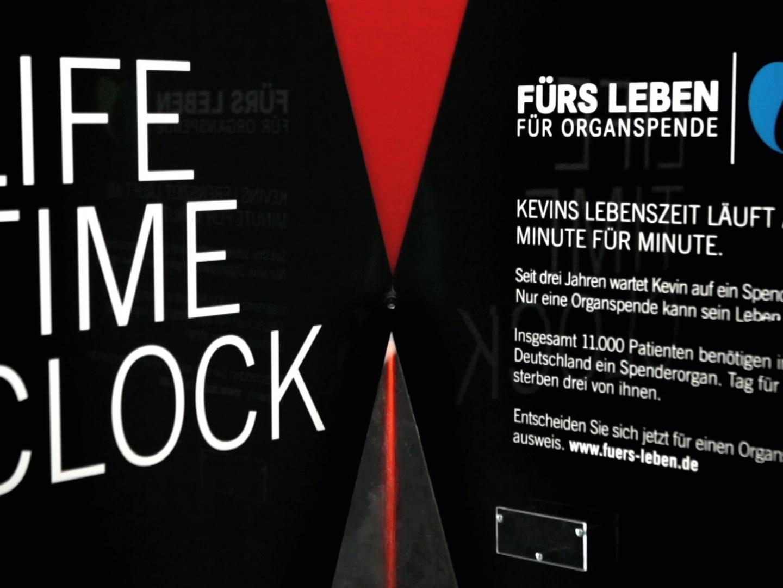 Life Time Clock Thumbnail